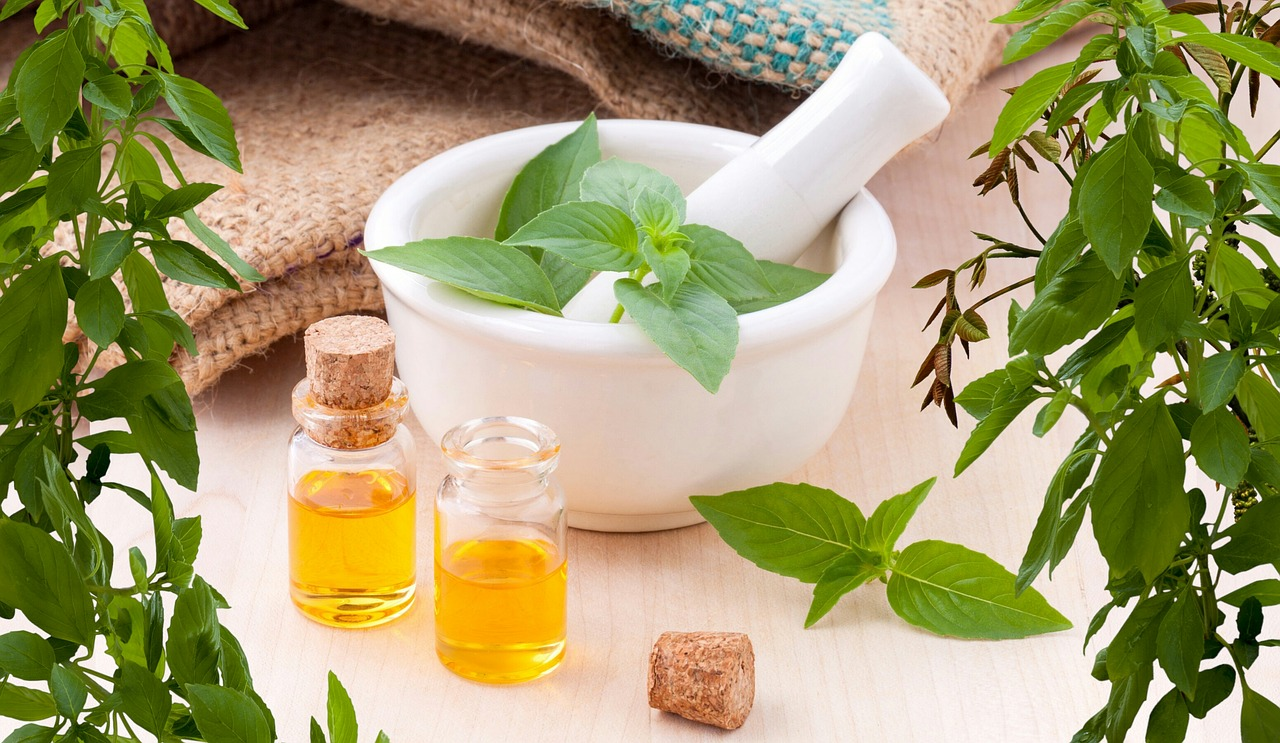 what is holistic medicine and its benefits